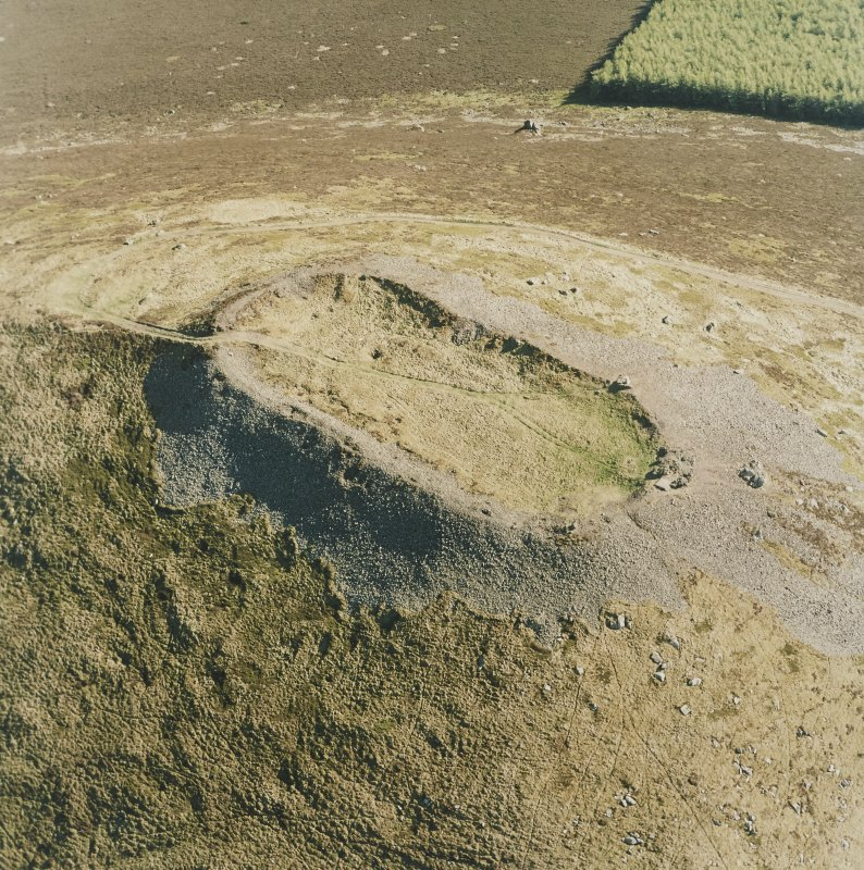 Oblique aerial view of Tap O' Noth vitrified fort, taken from the NNE.