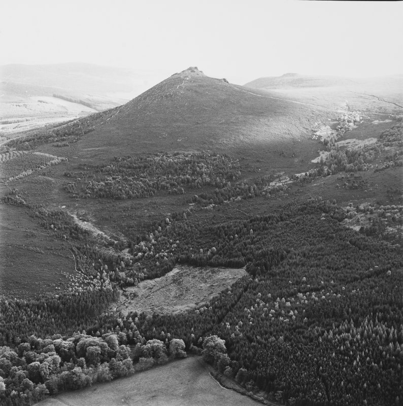 Mither Tap of Bennachie fort, oblique aerial view, taken from a kilometre to the E.