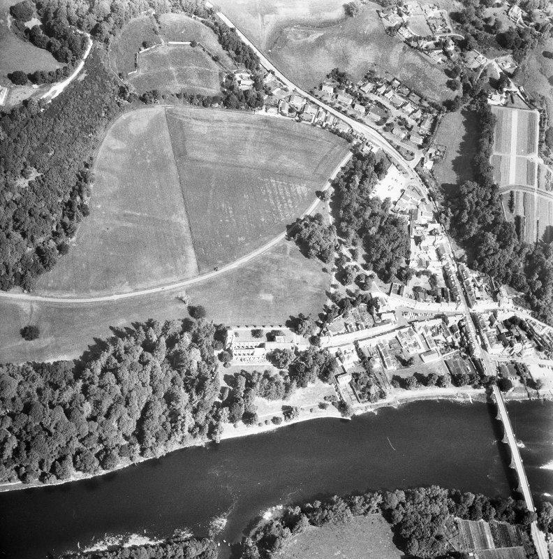 Dunkeld. General aerial view with river to South.