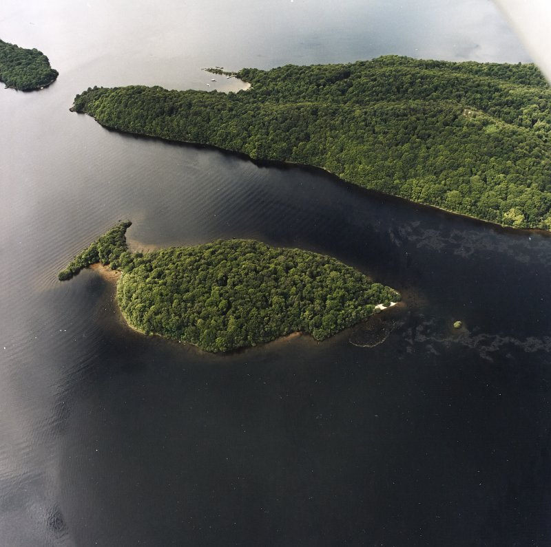 Oblique aerial view centred on Clairinsh Island with crannog adjacent, taken from the ESE.