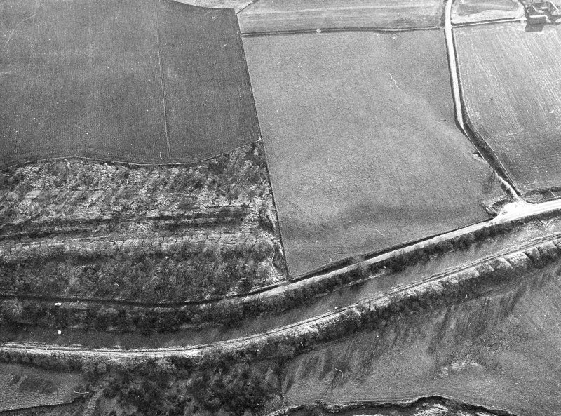 Aerial view of the Antonine Wall and the site of the fortlet at Seabegs Wood from the north, centred c. NS 8118 7924.