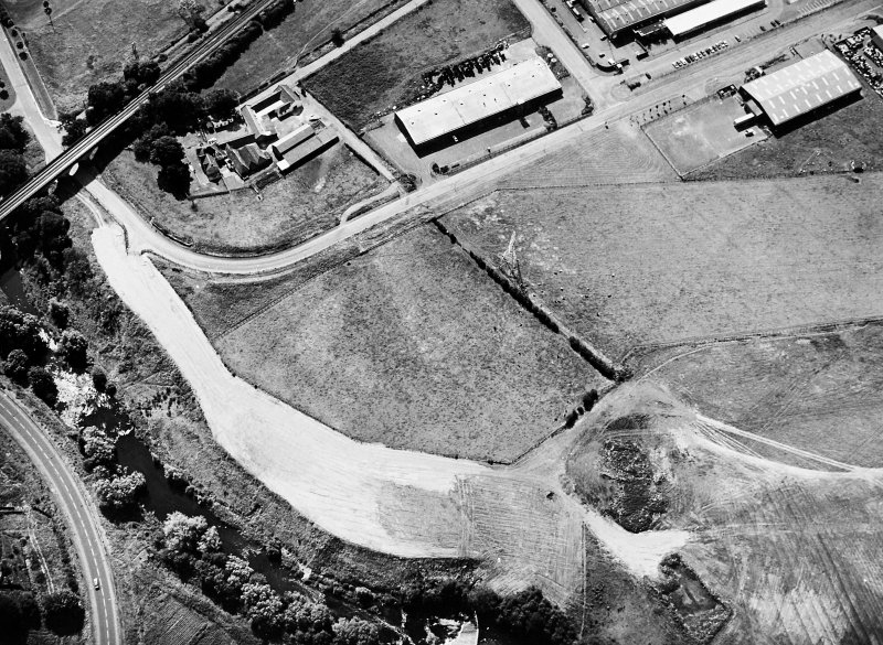 Lochlands: Roman temporary camp. Air photograph