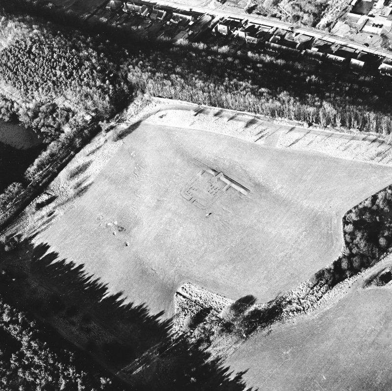 Kinneil Roman Fortlet, oblique aerial view, taken from the ESE.