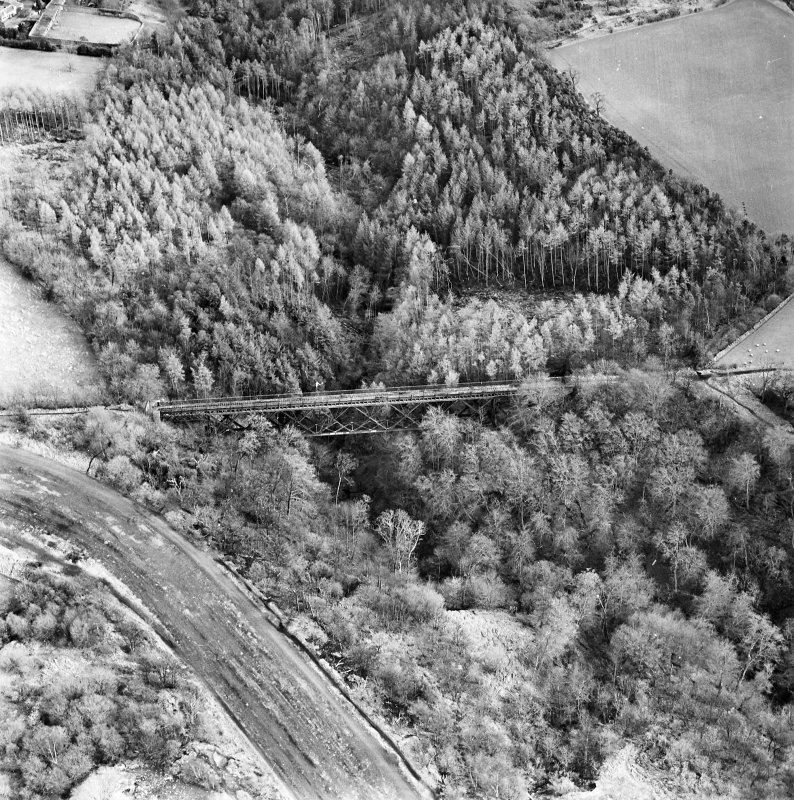 Oblique aerial view of Bilston Viaduct centred on the railway viaduct, taken from the WNW.