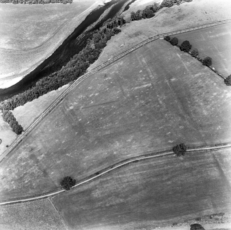 Newstead, Roman forts and temporary camps: RCAHMS air photograph showing western annexe (centred NT 567 343)