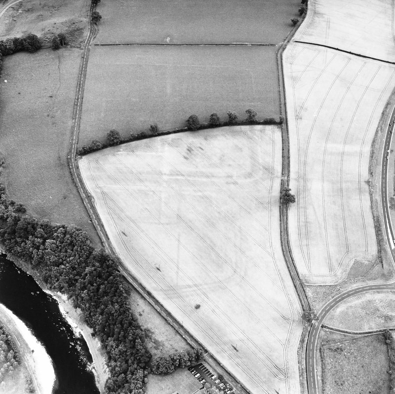 Newstead, oblique aerial view, taken from the WSW, centred on the cropmarks of the Roman Fort and Western Annexe.
