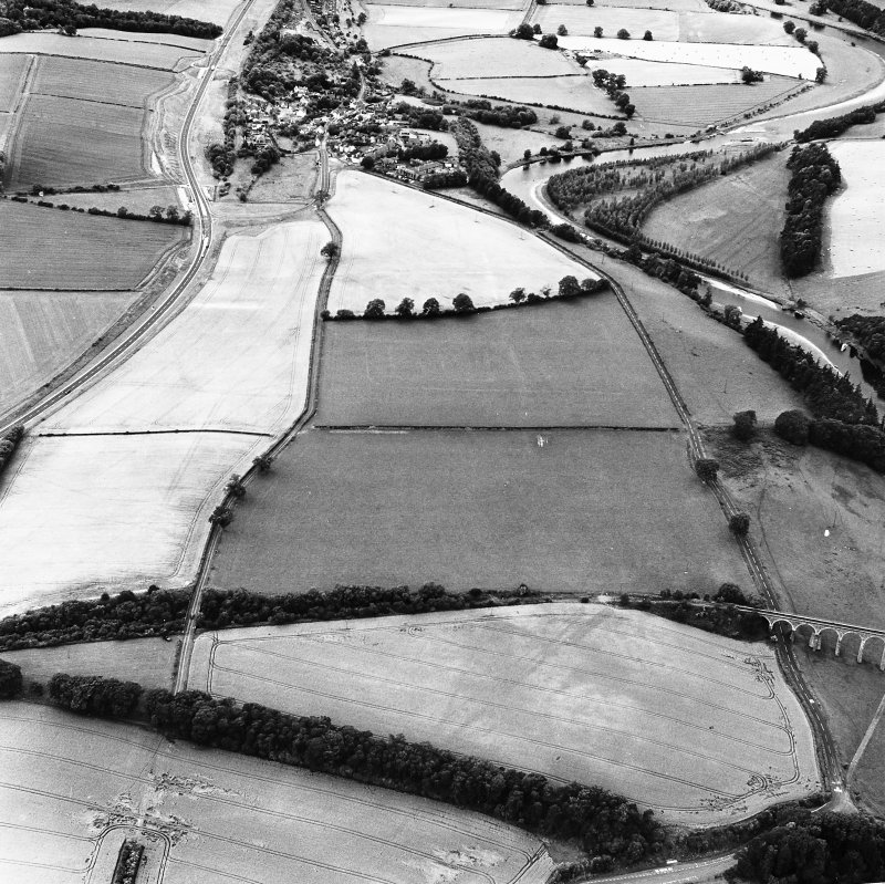 Newstead, oblique aerial view, taken from the ENE, centred on the cropmarks of the Great Camps Complex.