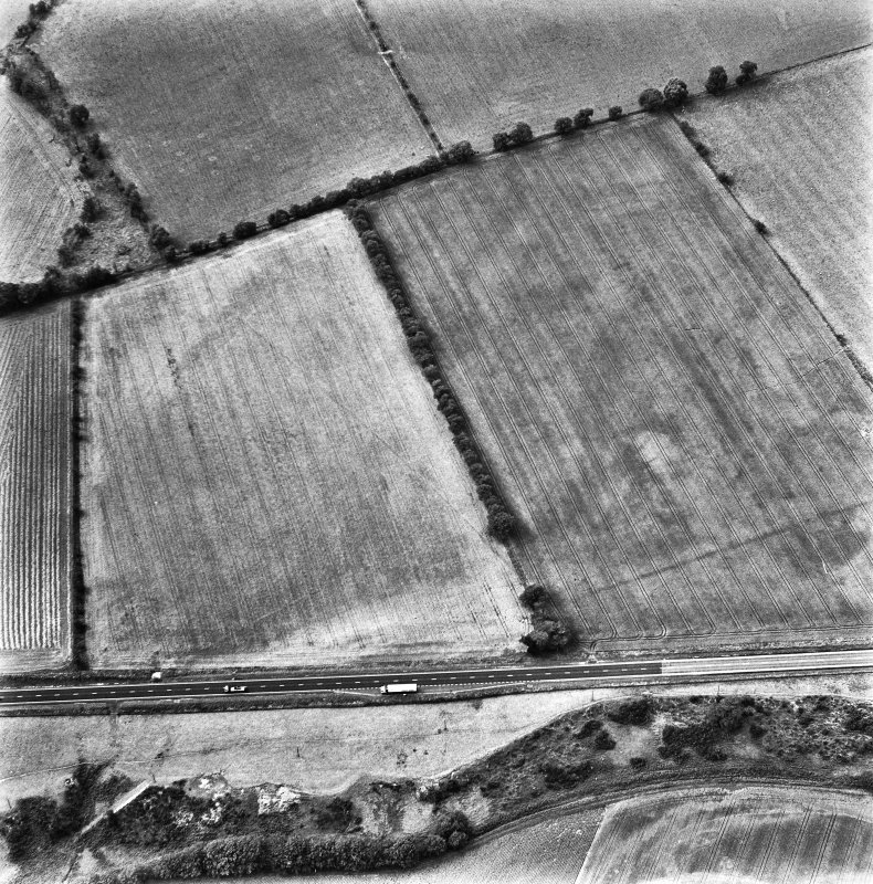 St Leonard's Hill, oblique aerial view, taken from the ENE, centred on the cropmarks of the SE corner of a Roman Temporary Camp.