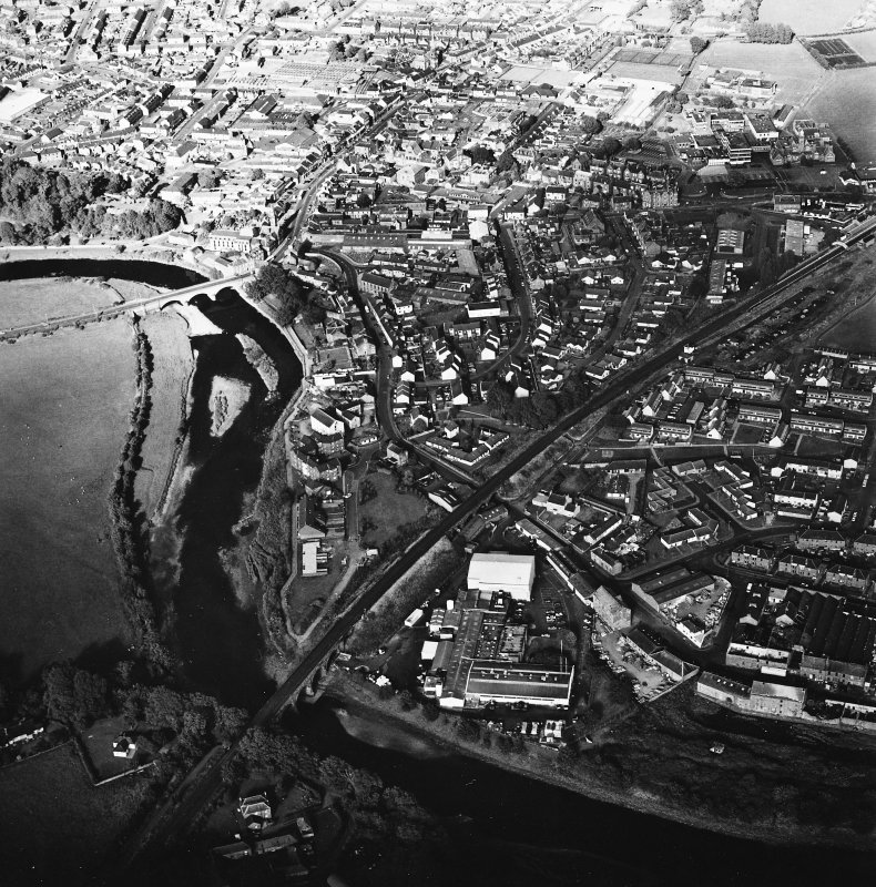 Annan, oblique aerial view, taken from the SW.