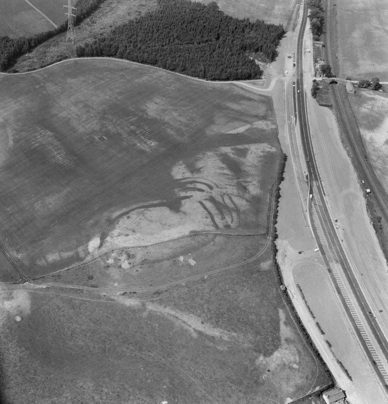 Oblique aerial view of the cropmarks of Broxy Kennels fort.