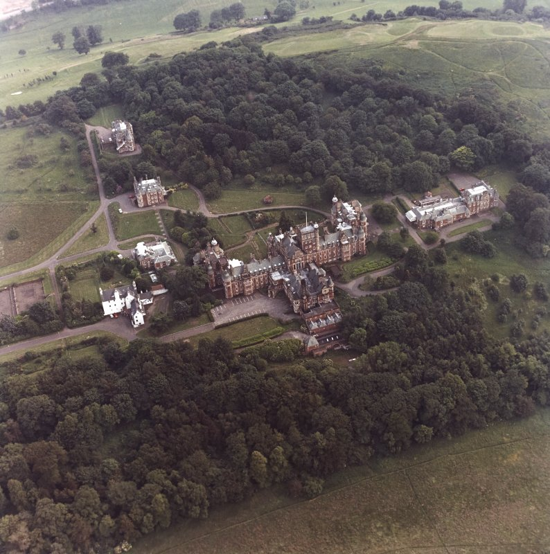 Oblique aerial view centred on Craig House, Old Craig House, South Craig Villa, Bevan House, East Craig and South Craig Villa.