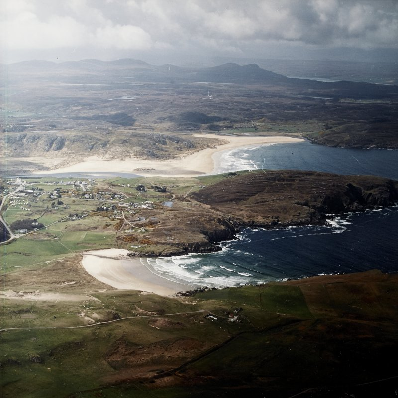 General oblique aerial view centred on the village of Bettyhill, taken from the NE.