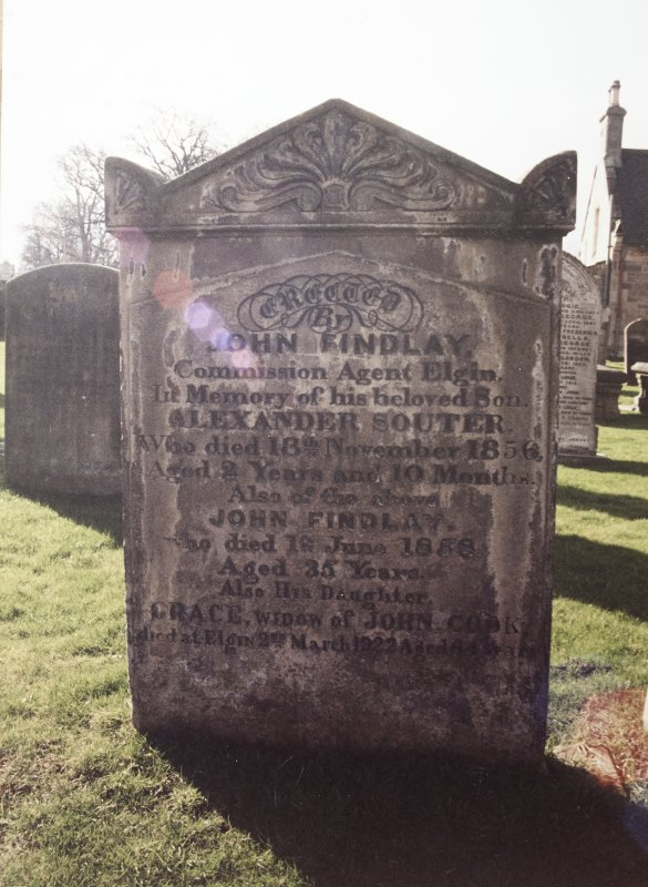 View of headstone of John Findlay and his children.