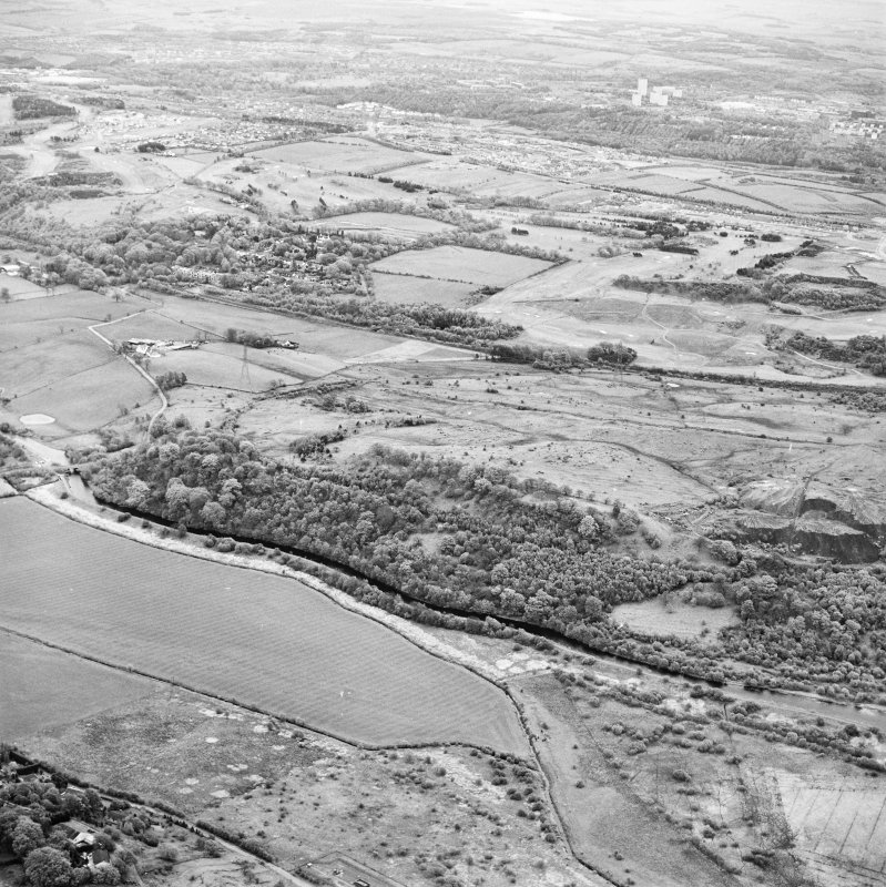 Oblique aerial view centred on the Antonine Wall at Croy Hill, with the Forth and Clyde Canal nearby, taken from the NW