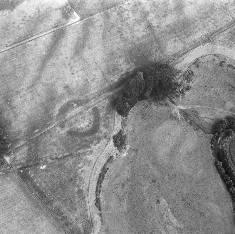 Oblique aerial view showing henge at North Mains, Strathallan.