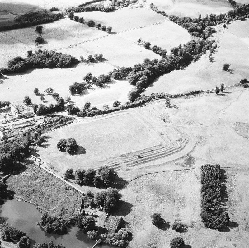 Oblique aerial view from south east.