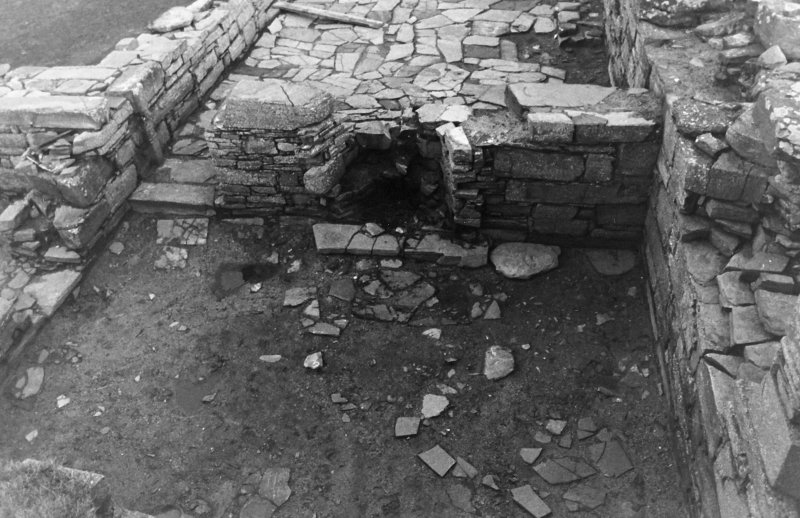 Excavation photograph : south range - room 4, room south.