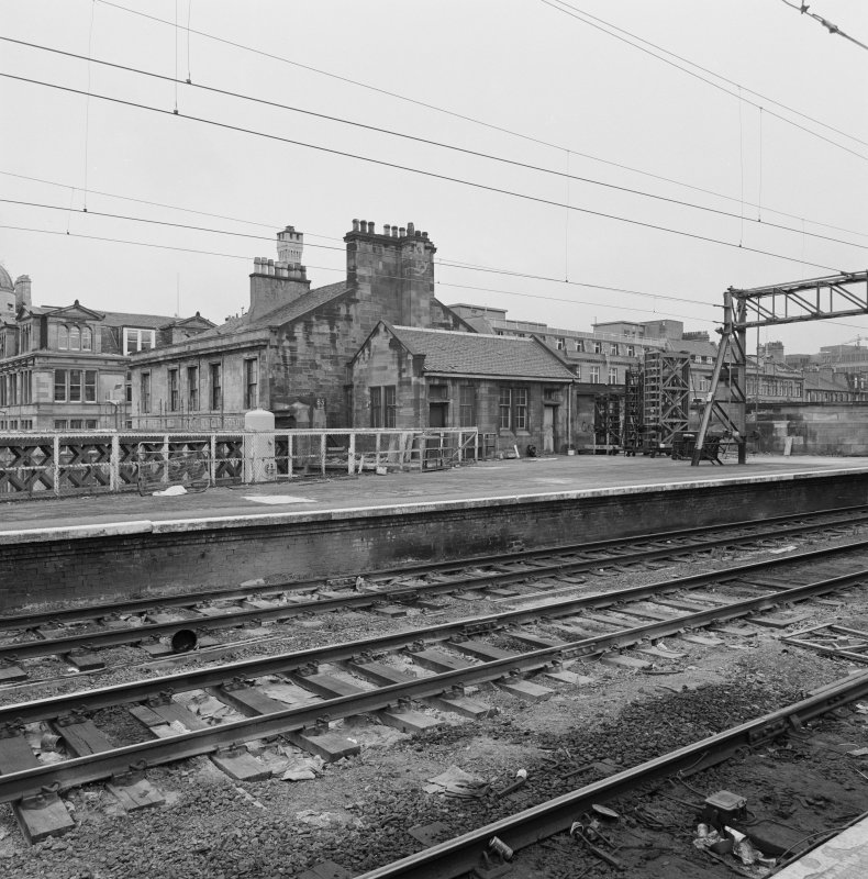 Glasgow. Central Station. View from SE of bothy on platform 13.