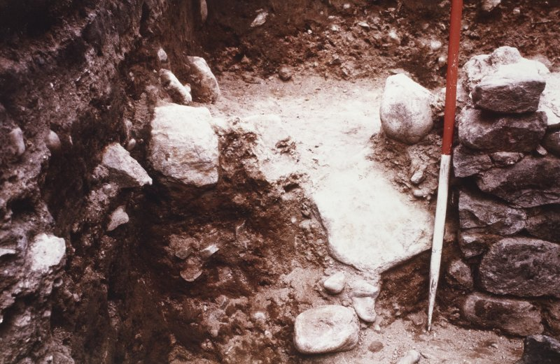 E4  Excavation photograph