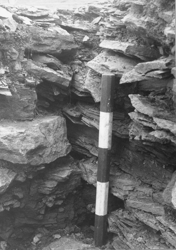 Detail of the abutting of the two walls in the S from NW.
