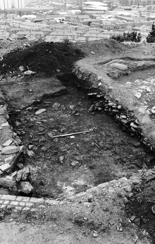 Excavation photograph : lower stones after removal of stones 002