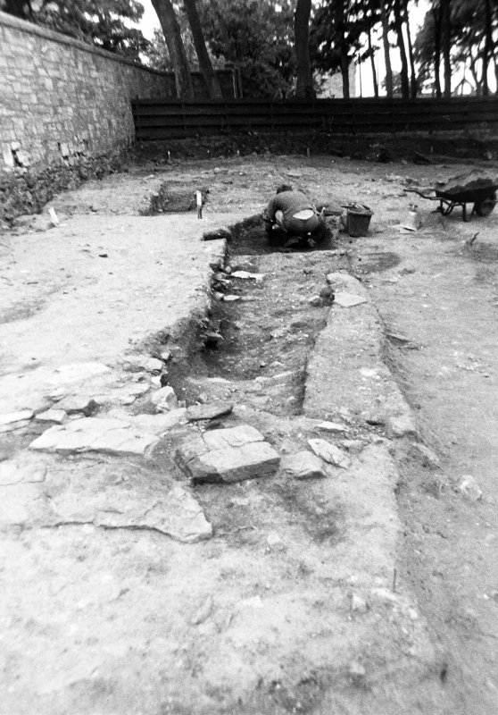Excavation photograph : trench 2/5, linear cut f150 partially excavated, from E.