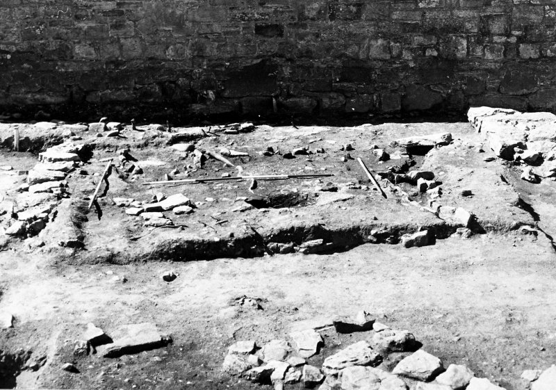 Excavation photograph : E end of trench 2, from N.