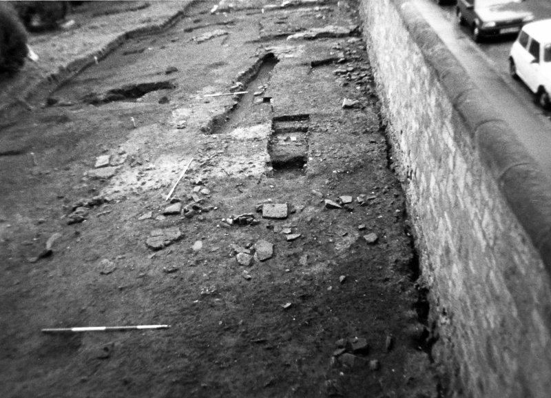 Excavation photograph : trenches 2 and 5 at start of autumn season.