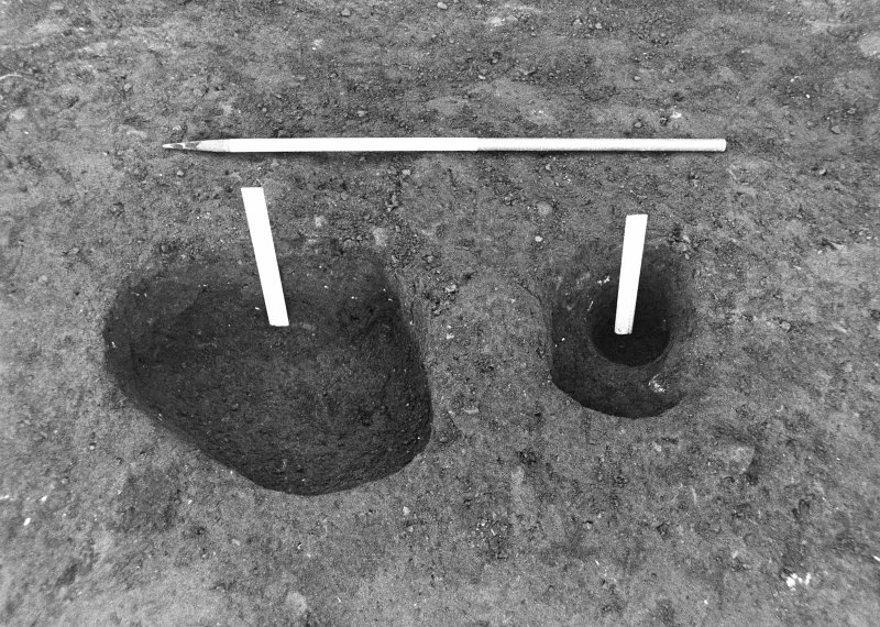 Excavation photograph : pits f577 and 579 fully excavated, from N.