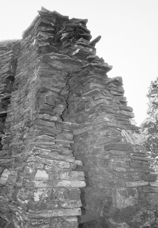 End of the high wall showing upper galleries crushed together.