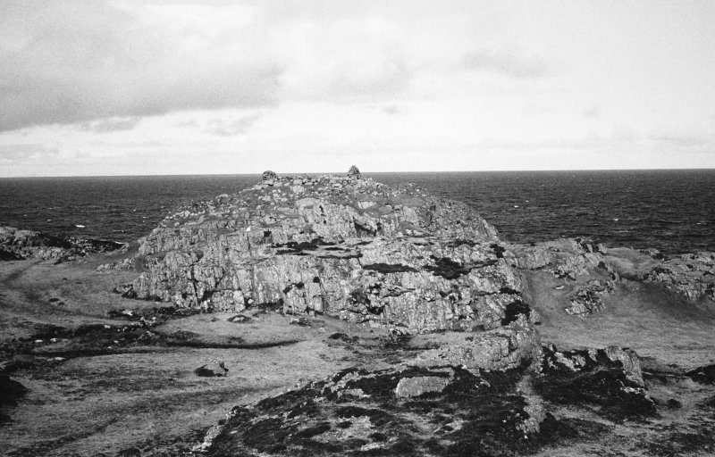 Dun Beag, Vaul, Tiree, broch. General view.
