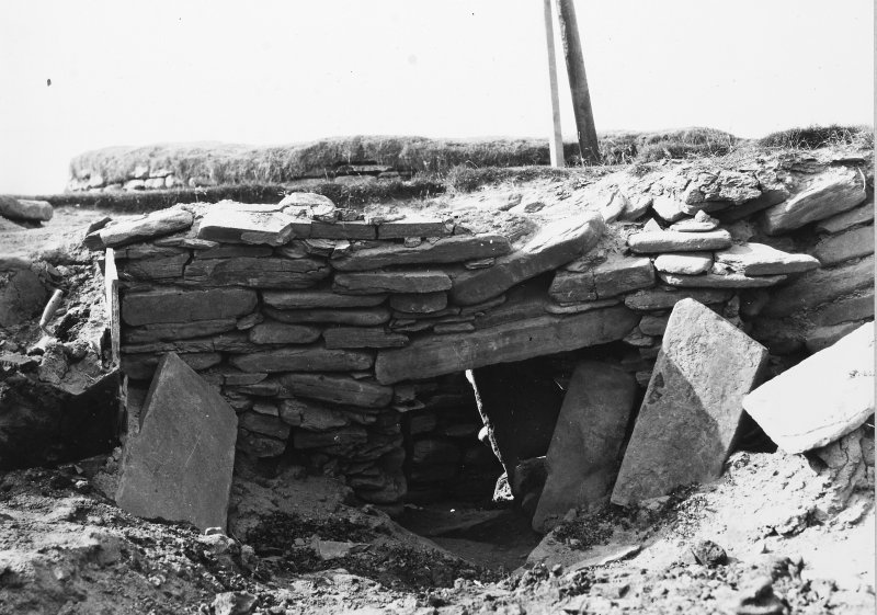 Excavation Photograph: Hut 6 doorway from S. pl.viii.2.