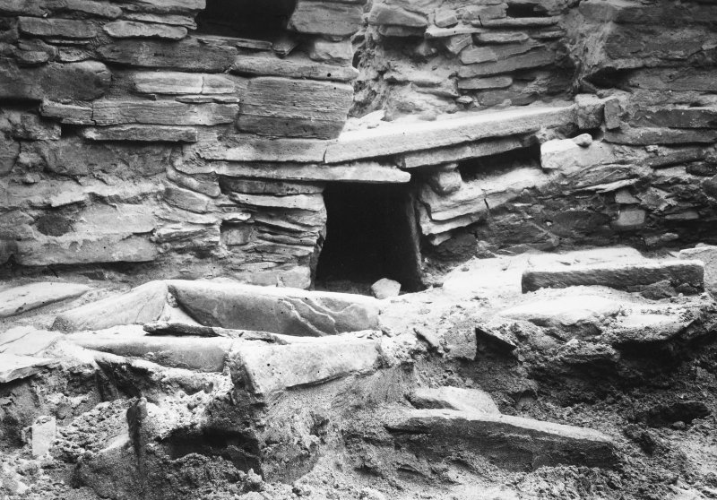 Excavation Photograph: Hut 7.