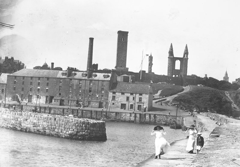 View from east showing Harbour, Shorehead, Bell Rock Tavern and in distance St Andrews Cathedral