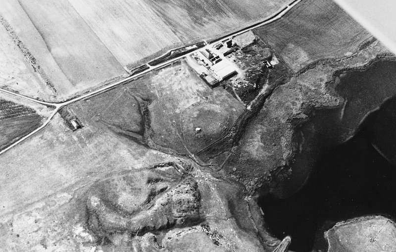 Castle Hill, Rattray, castle: aerial view. Aberdeenshire Archaeological Service AAS/82/05/S7/20, dated 25 June 1982.