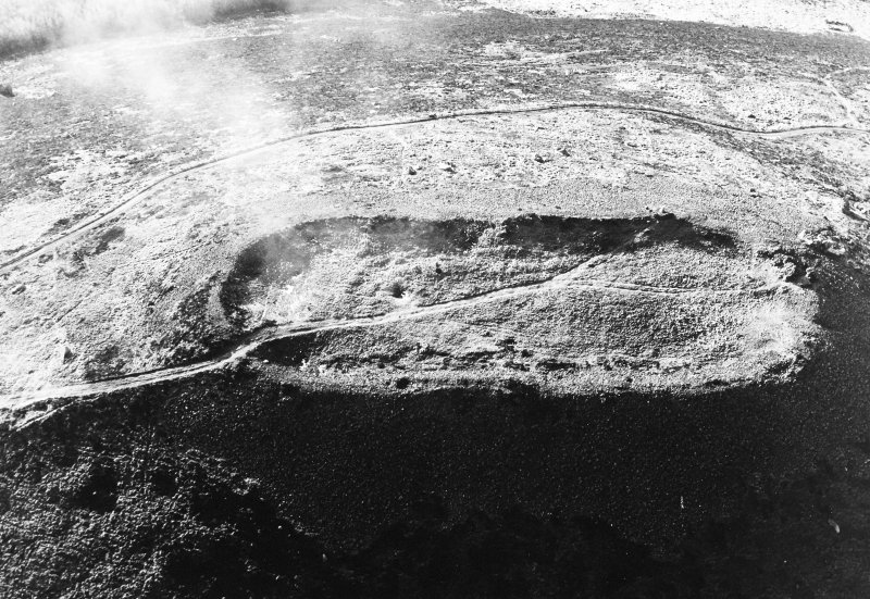 Oblique aerial view of Tap O'Noth, taken from NE, centred on fort.