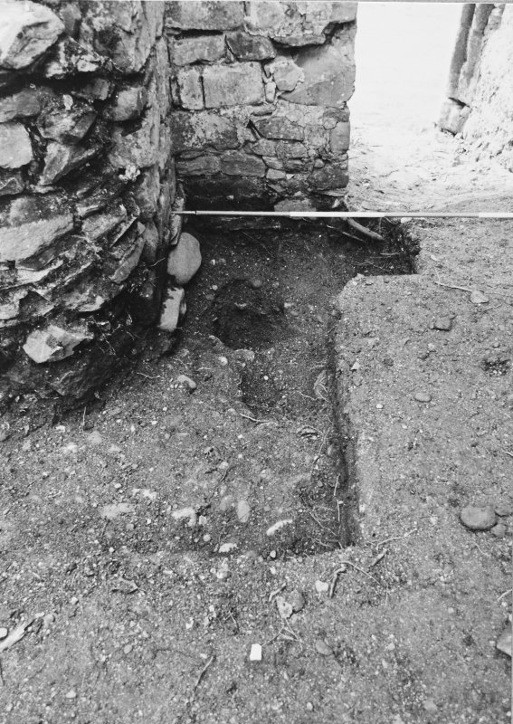 Rossdhu Castle Excavations, June and August/September 1996 Frame 34 - West arm of Trench 20 - from north