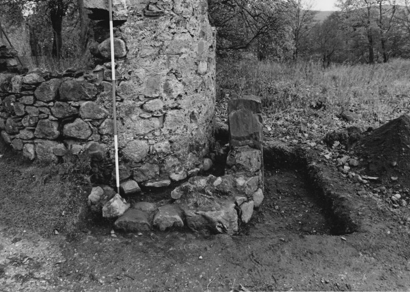 Inverlochy Castle Frame 18 - Trench C excavated; from south
