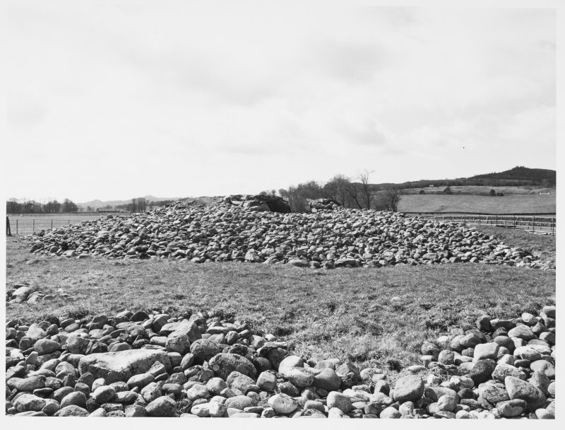 Netherlargie South Cairn Ext + Int