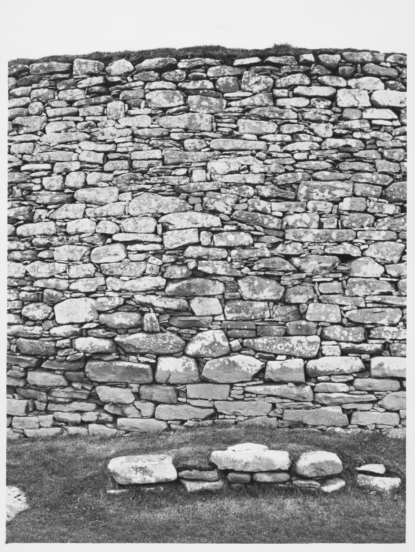 Clickhimin Broch, Details and General Views of collapsing Brock Wall N.E. side