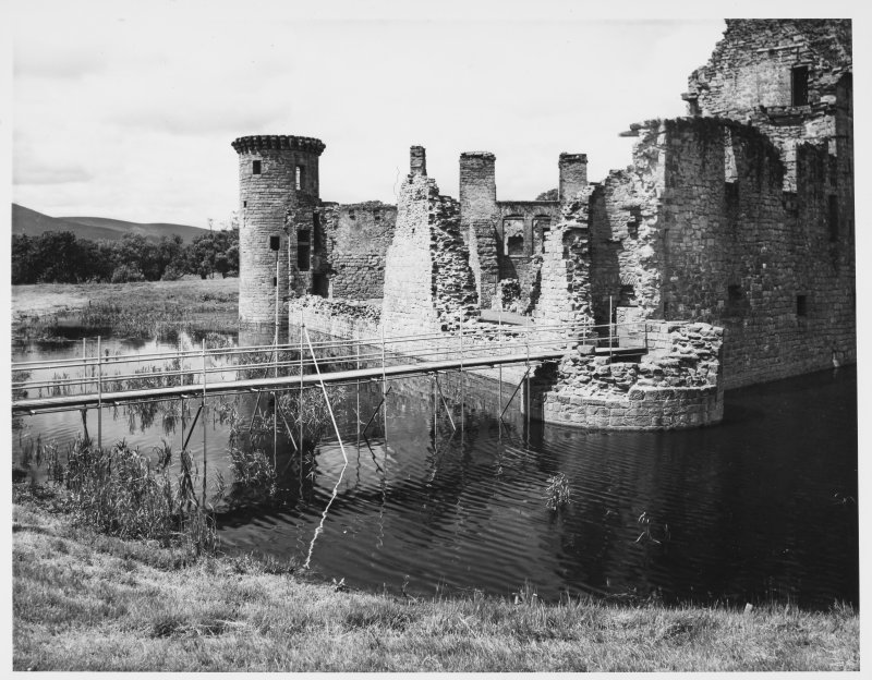 Caerlaverock Castle, Before and After Moat in Filling Excavation Record