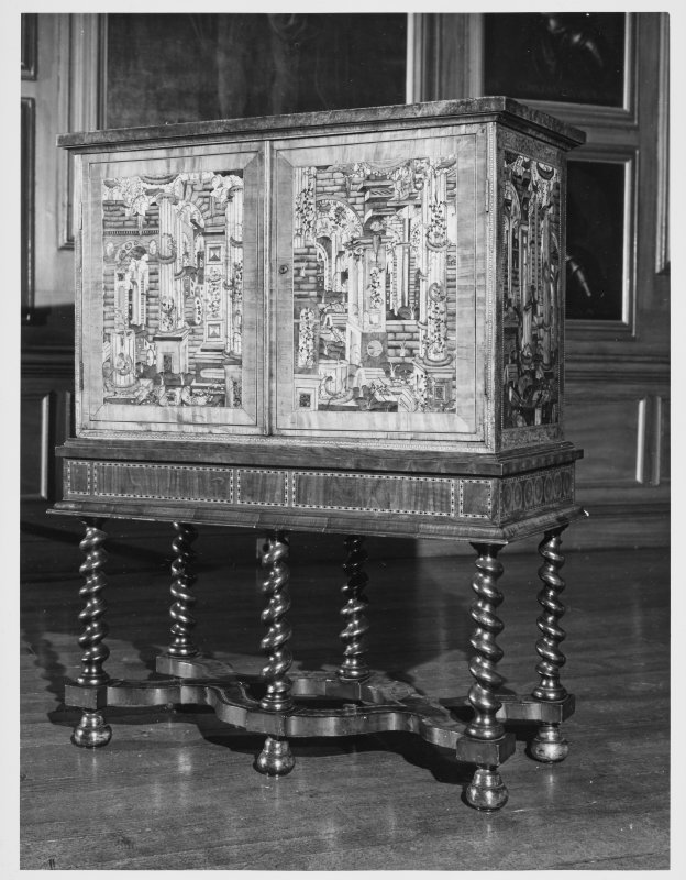 Holyrood House Edinburgh Queen Mary's Cabinet