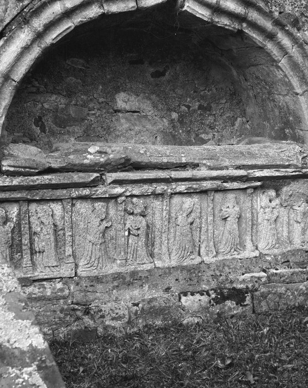 Rothesay, St Mary's Church. General view of tomb. Effigy.