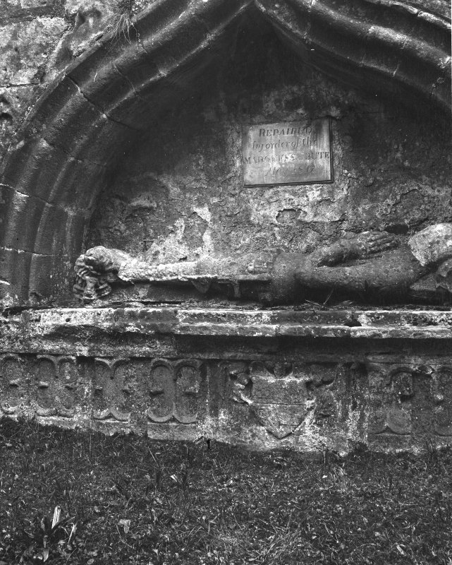 Rothesay, St Mary's Church. Effigy.