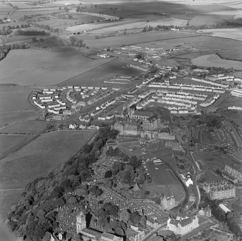 Oblique aerial view centered on Stirling Castle from south east.