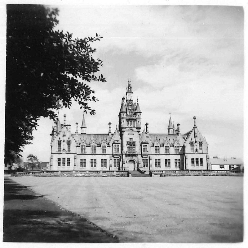 Photo of the school, taken by Charlie Dixon, who was a pupil there in the late 1940s/early 1950s. Note the unsympathetic temporary building erected next to the east end.