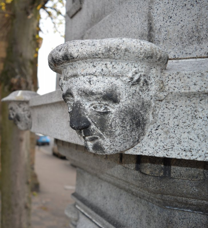 This is one of four heads, two soldiers and two sailors, on the Govan War Memorial. This head of a sailor is at the north-west corner of the monument.