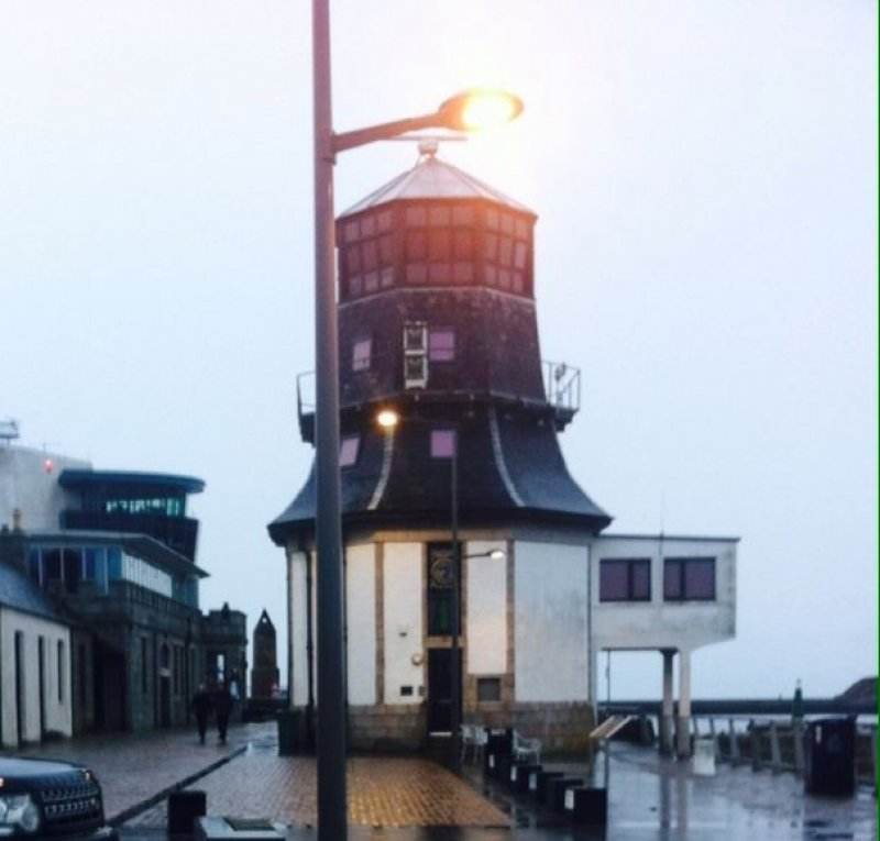 25/12/17- The former Navigation Control Tower at the Abercrombie Jetty in Footdee. This building is now the offices of Seacroft Marine and has a web camera on the roof which gives a live view of harbour traffic.